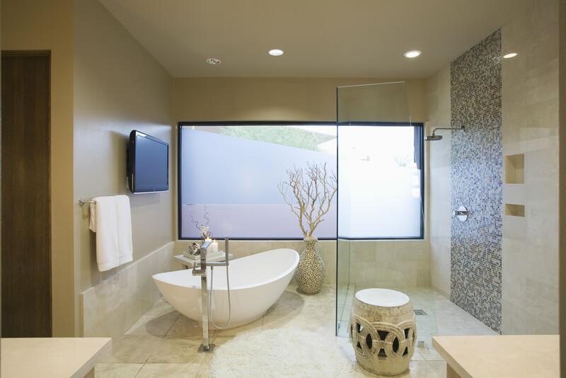 vrijstaand-bad-in-de-badkamer